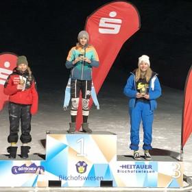 Die ersten Drei der U14-Gesamtwertung: Mona Aumann (Oberwössen), Laura Kretz (Tengling) und Johanna Kittl (Siegsdorf)